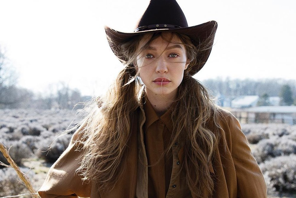 Gigi-Hadid-Helena-Christensen-Vogue-Czech-May-2019 (4).jpg