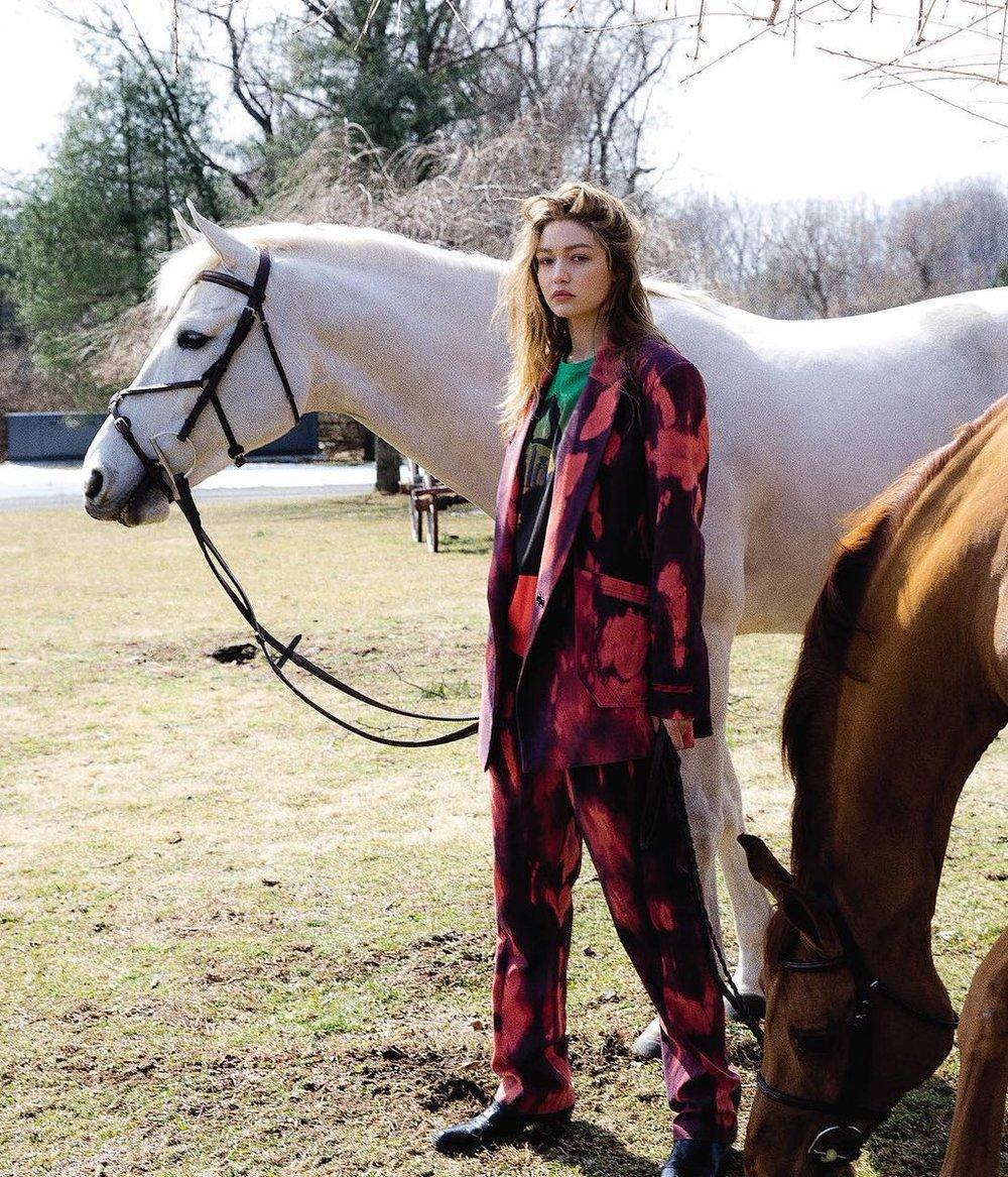 Gigi-Hadid-Helena-Christensen-Vogue-Czech-May-2019 (5).jpg