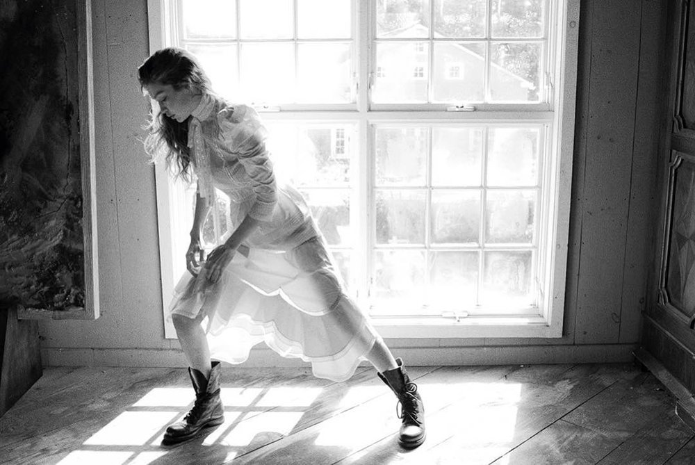 Gigi-Hadid-Helena-Christensen-Vogue-Czech-May-2019 (8).jpg