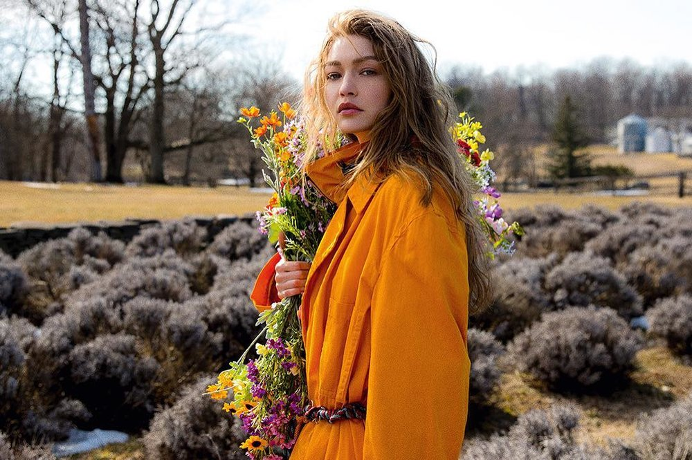 Gigi-Hadid-Helena-Christensen-Vogue-Czech-May-2019 (10).jpg