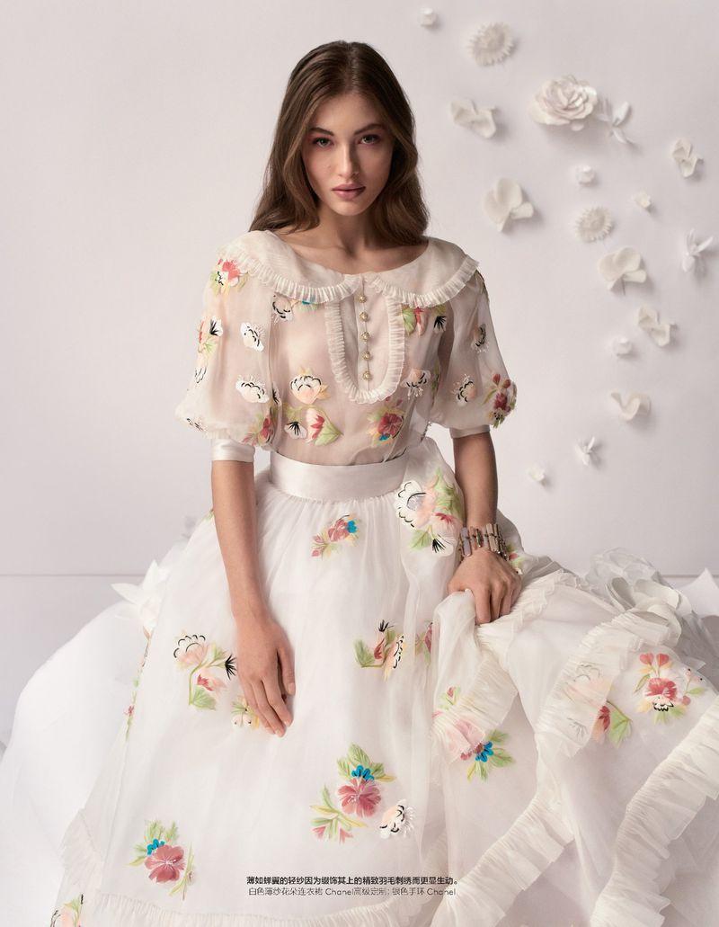 Camilla-Akrans-Spring-Couture-Vogue-China (2).jpg