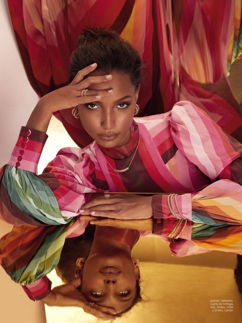 Jasmine-Tookes-Greg-Swales-Harpers-Latin-America-April-2019- (4).jpg