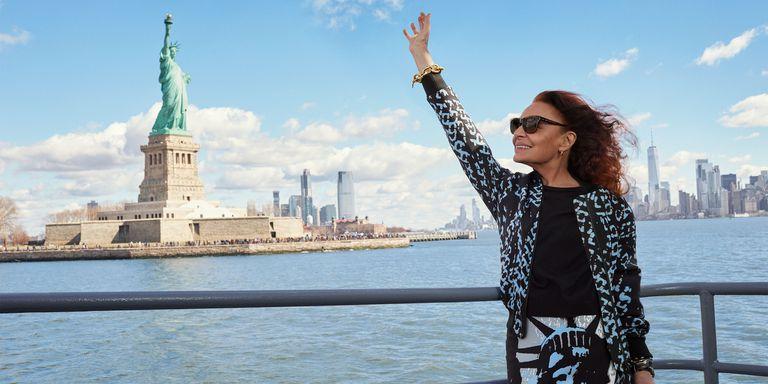 Diane von Furstenberg by Alexi Lubomirski Statue of Liberty-1.jpg