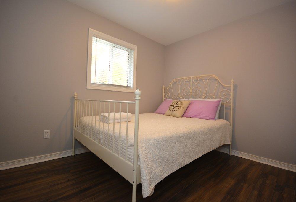 Bedroom_5.jpg