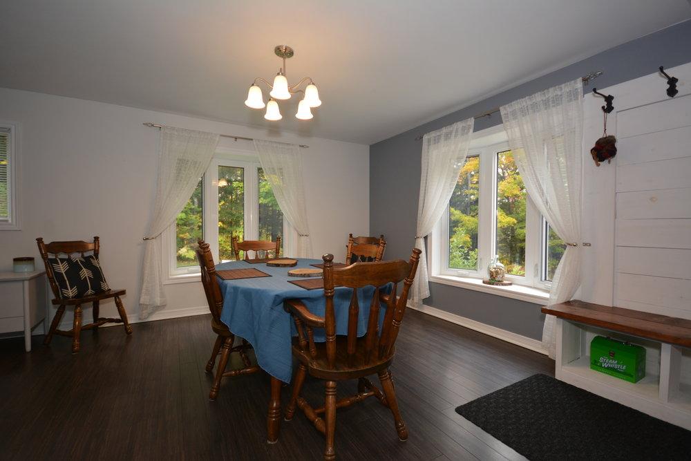 Dining_Room_4.jpg