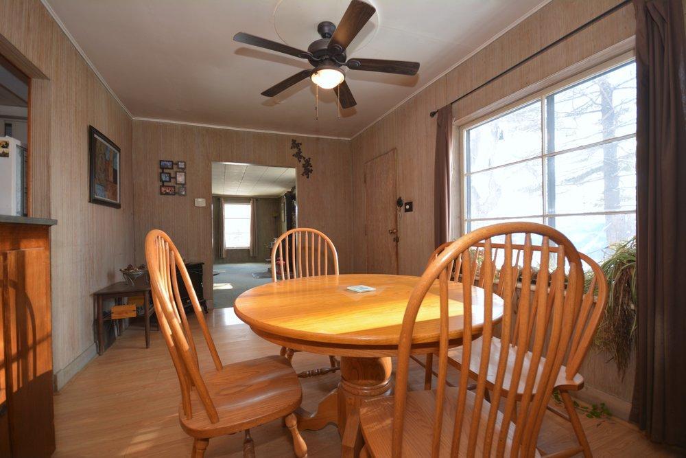 16-Dining Room.jpg