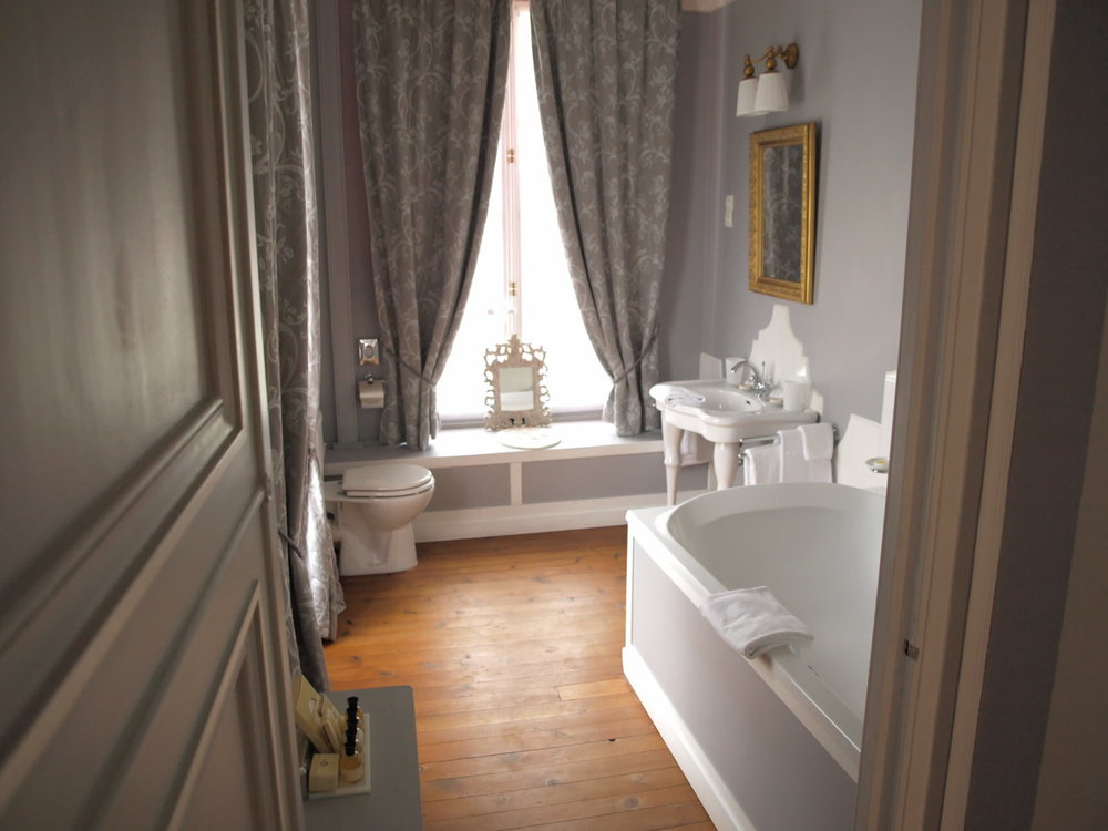Chateau de la Pommeraye - charming boutique hotel chateau b&b spa normandy calvados bedroom Rubans 3(2).jpg