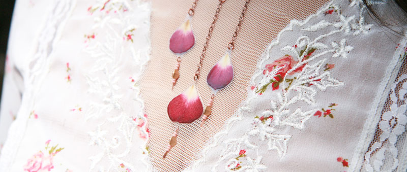 5-rose-petal-necklace.jpg