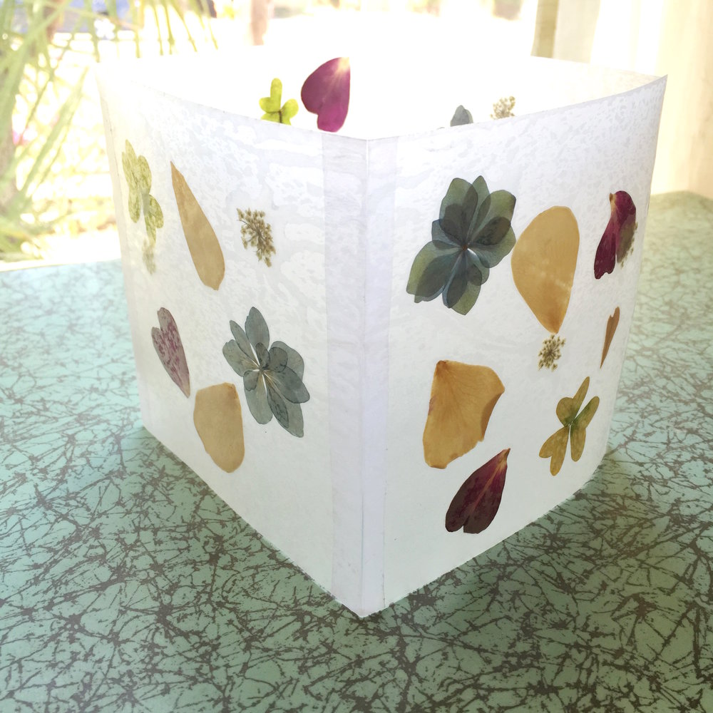 natural floral luminary do it yourself project - click through to make this project!