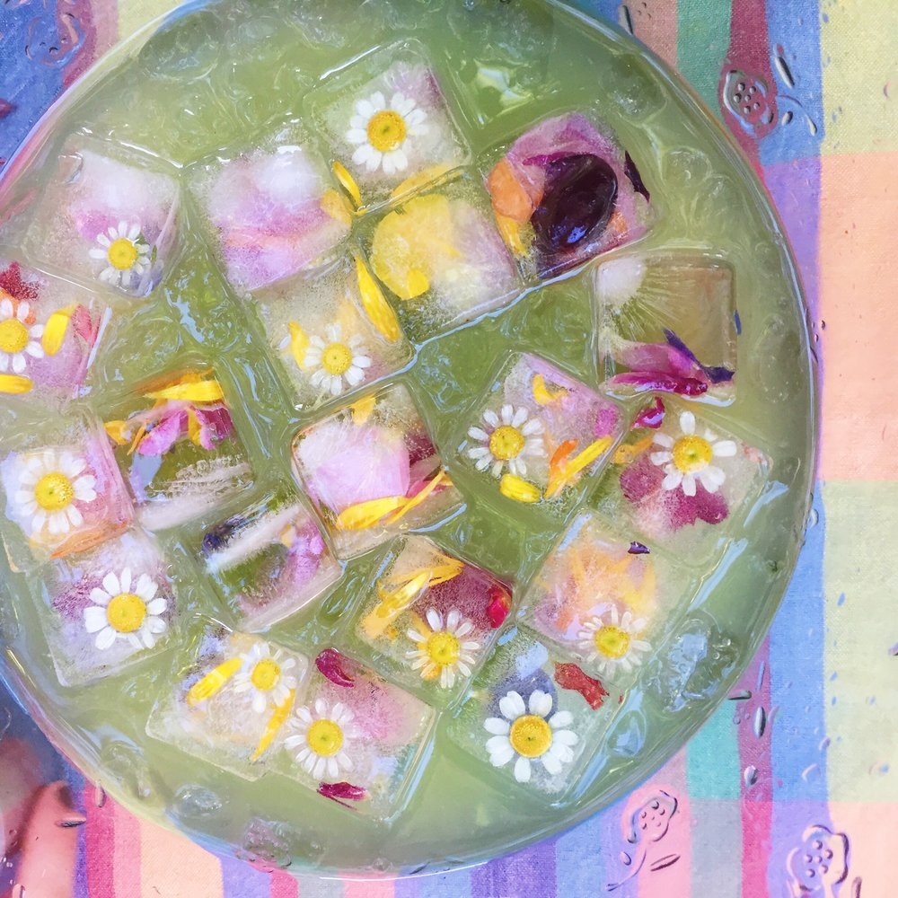 IMPRESSED by nature Blog - summer party flower punch bowl