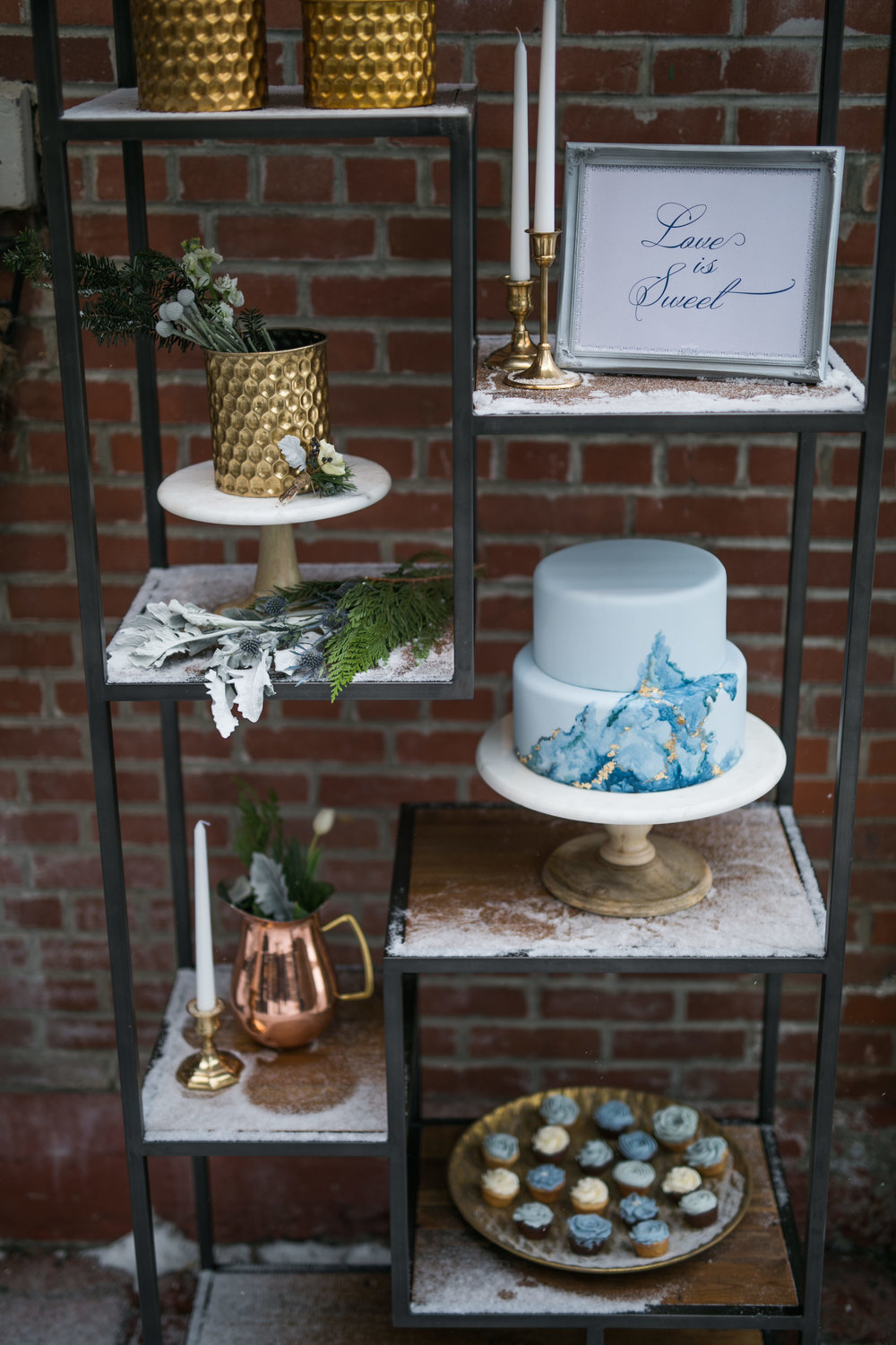 Cake Stands: Gathered Table Supply Co. | Photo: Sofia Katherine Photography