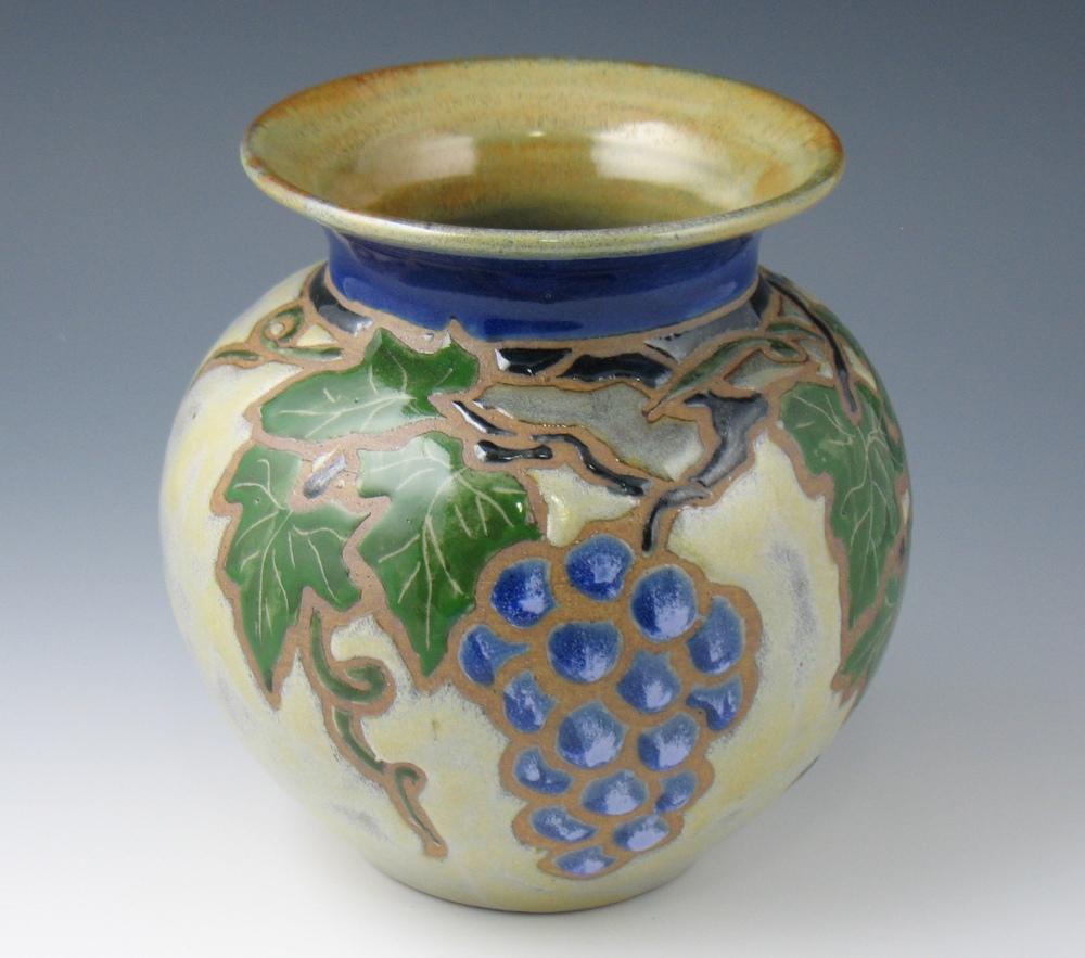 Vineyard vase