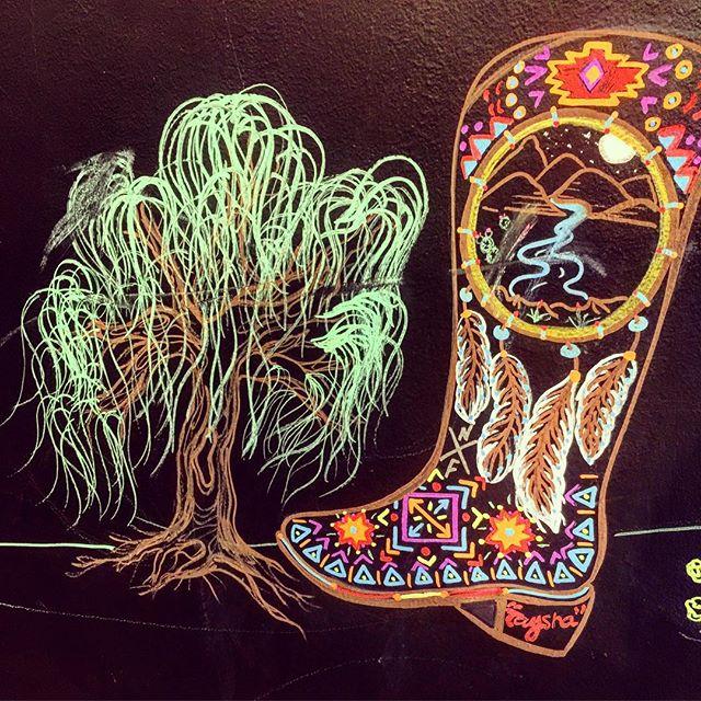 Seems slightly disproportionate ~^o^~ #art #chalkboard #texas #boots #spanishmoss #treehousecafe