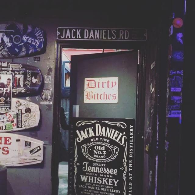 😂😂😂 playing in Austin tonight with @communitycentermusic at Dirty Dog Bar! #trolling #dirtydan #dirtydogbaraustin #austintx