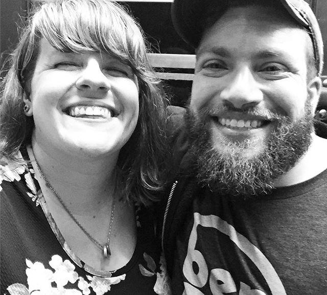 Frandz. Being frandz. Reunited in Tulsa!! 🕺🏻#hopjam #tulsaoklahoma #thoseanimalstour
