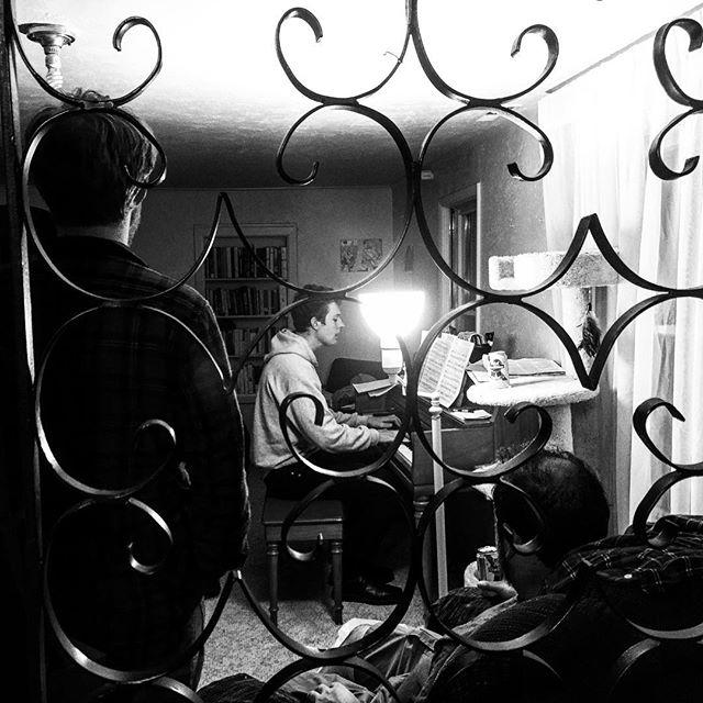 Late night serenades, night owl jam sessions, moonlit songwriting .. enjoying the vibes here in Joplin Missouri #piano #missouri #goodnight