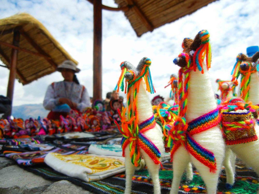 Street vendors in Chimay, Peru