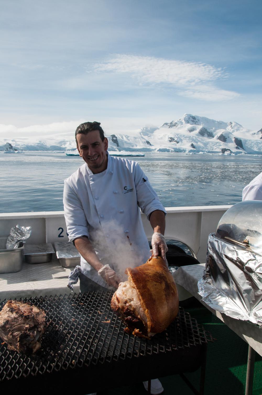 080adelineheymann_Antarctica2_day3-bbq_0382.jpg