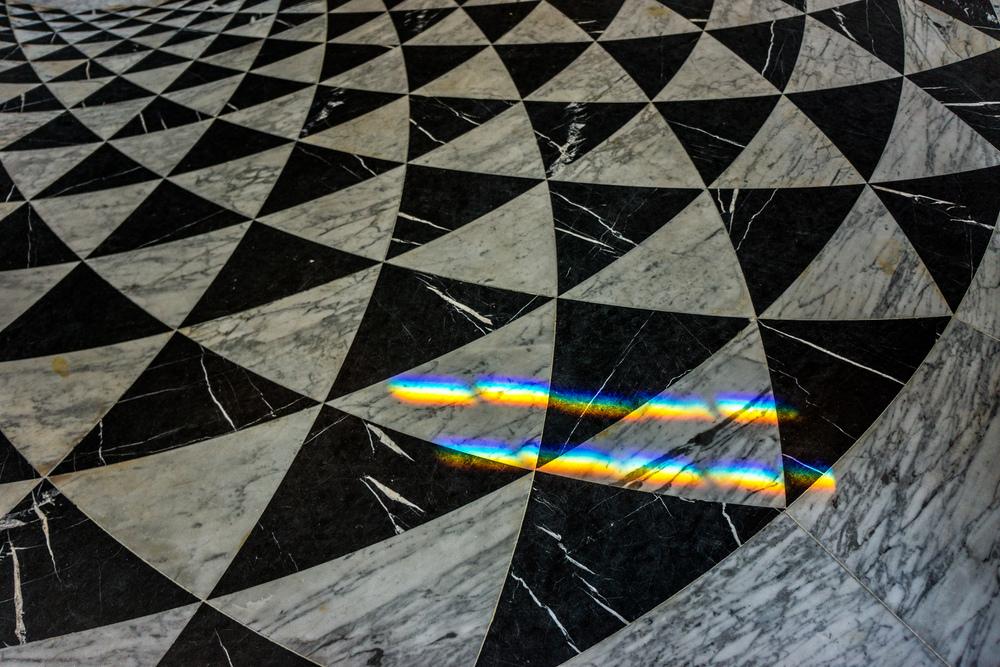 Oxford Exchange Rainbow