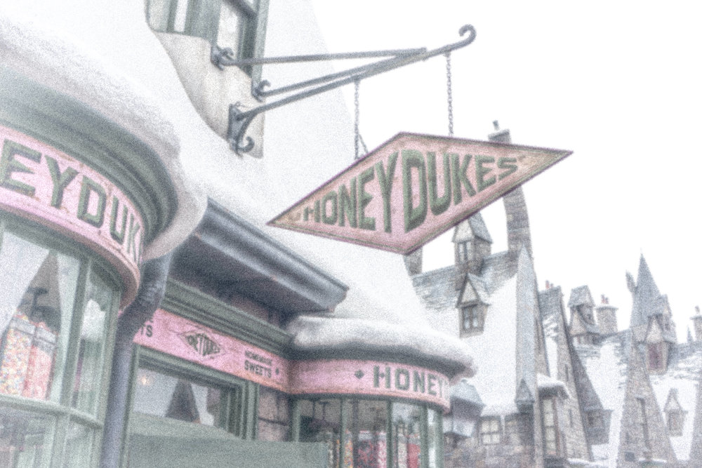 Honeydukes Snow Storm