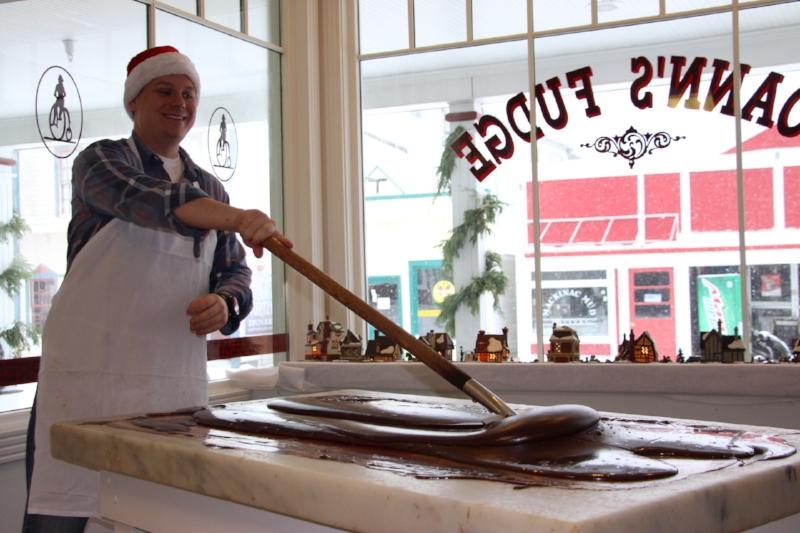 Paddling the fudge to help it set up