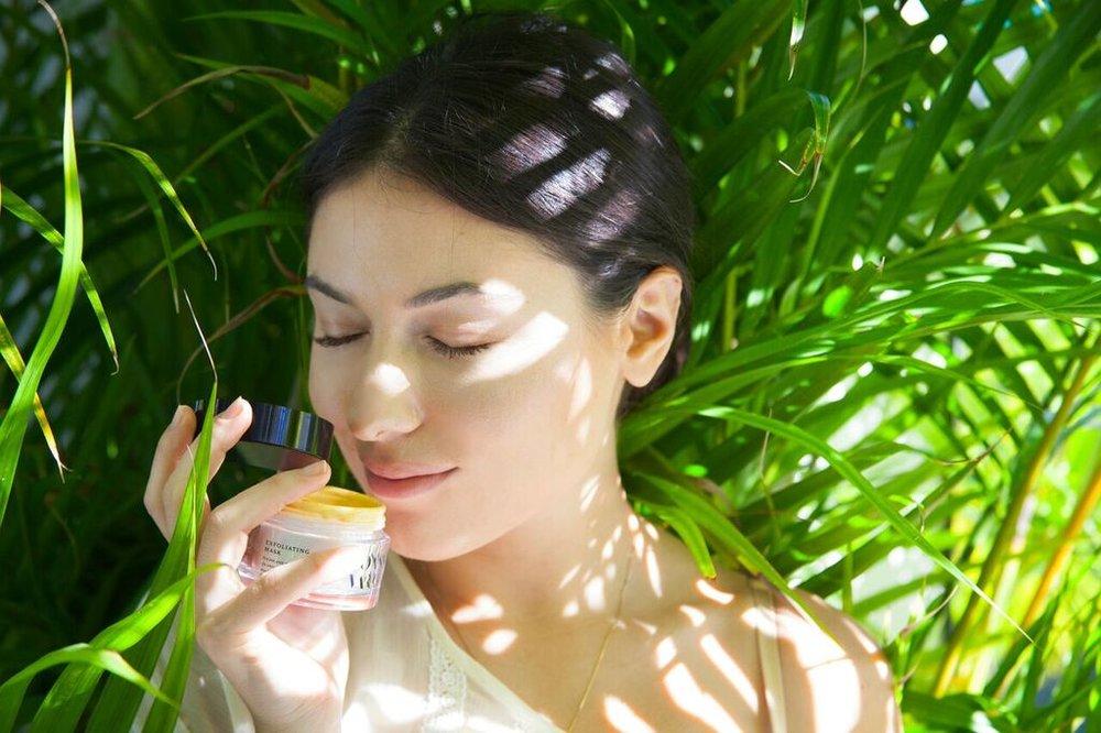 joanna-vargas-skincare-katrina-eugenia-photography-best-vitamin-c-serum-best-sheet-masks-best-exfoliator-daily-hydrating-cream59.jpg