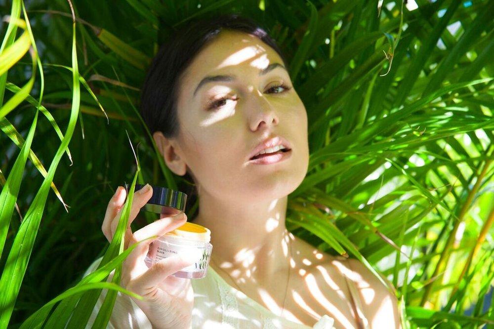 joanna-vargas-skincare-katrina-eugenia-photography-best-vitamin-c-serum-best-sheet-masks-best-exfoliator-daily-hydrating-cream78.jpg