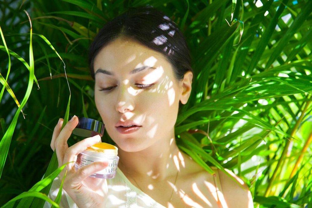 joanna-vargas-skincare-katrina-eugenia-photography-best-vitamin-c-serum-best-sheet-masks-best-exfoliator-daily-hydrating-cream82.jpg