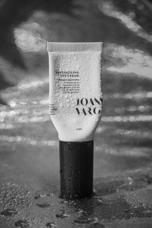 joanna-vargas-skincare-katrina-eugenia-photography-product-photography-nyc-skincare-supernova-serum30.jpg