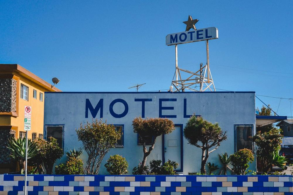 3 motel blue.jpg