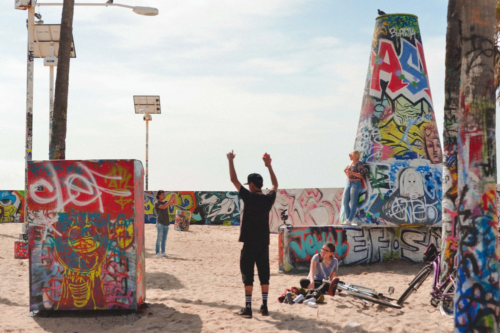 20 graffiti beach.jpg