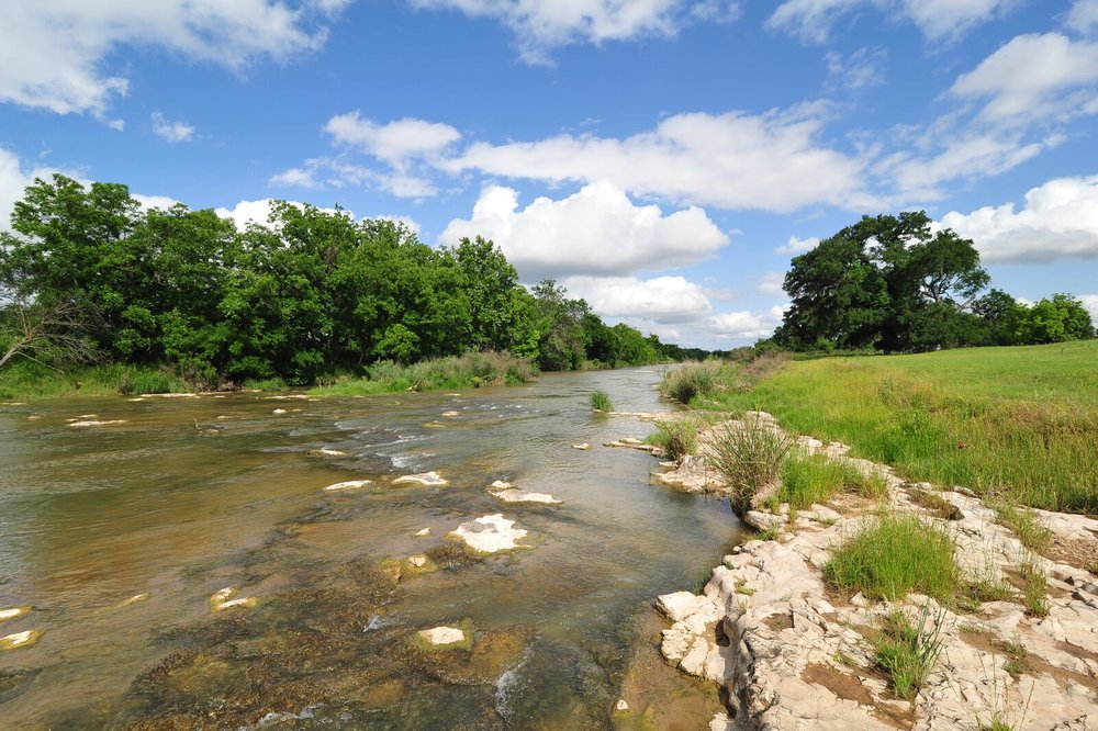 20+ ACRES WITH LOVELY HOME ON PEDERNALES RIVER - FREDERICKSBURG, TX