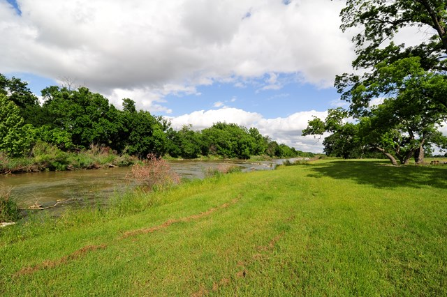 PEDERNALES/GRASS VALLEY  10+/- ACRES  GILLESPIE COUNTY -