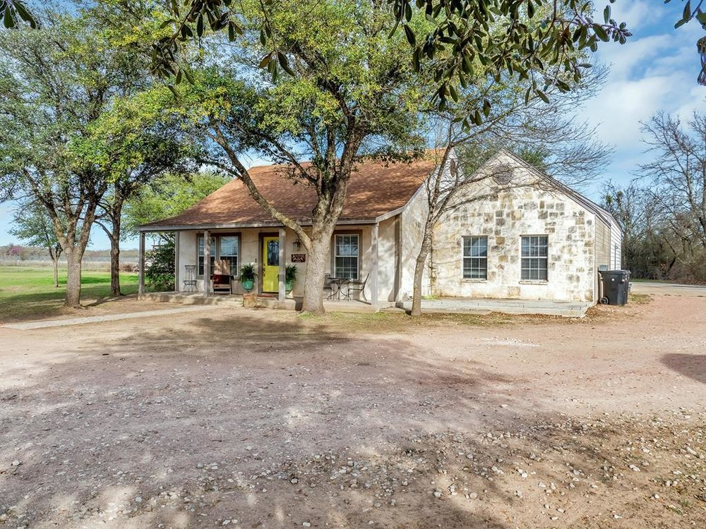 3091 STATE HIGHWAY 16  HOME ON 2+/- ACRES FREDERICKSBURG, TX
