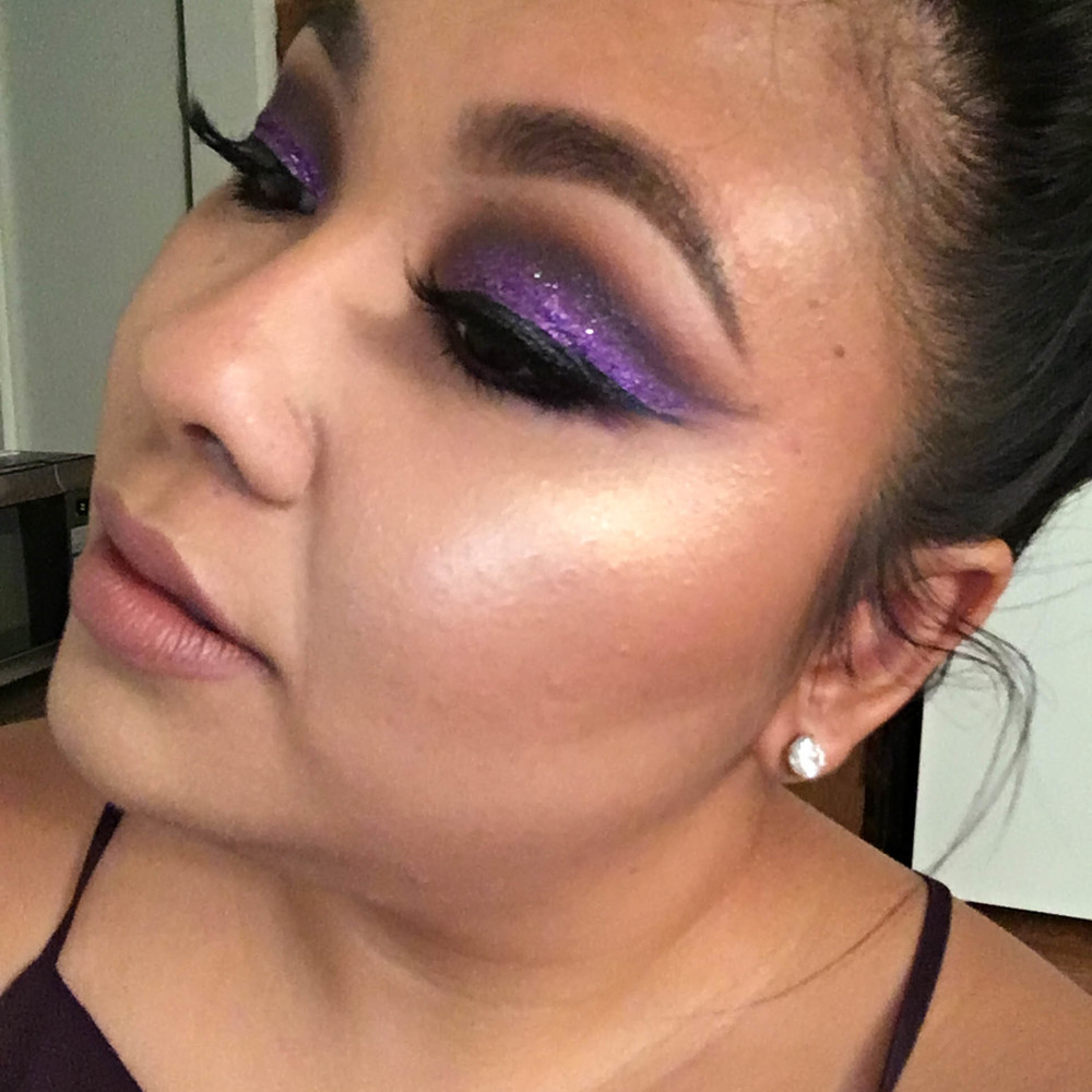 Last week I posted about how I was feeling uninspired, but that all changed when my friend let me borrow her Violet Voss glitters over the weekend. I instantly fell in love with this purple glitter - Aurora - and came up with this spring purple glitter glam. Learn how to get this look on my blog BeautybyJessika.com.