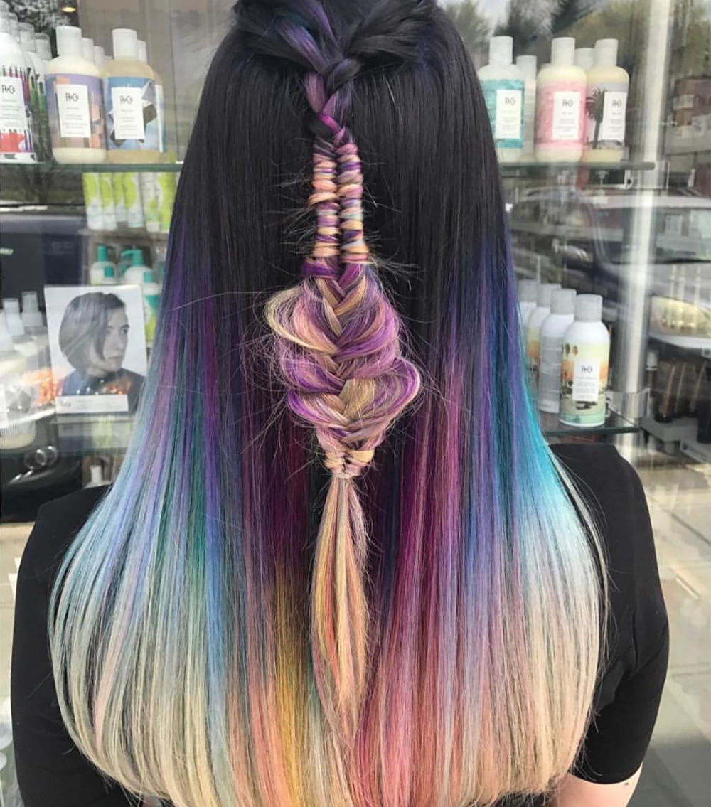 Other trending festival hairstyles included #RainbowHair, #BohoBraids, #SpaceBuns, #HairChains, and #PastelHair. See more inspiring festival hair looks on beautybyjessika.com. (Photo via @shmeggsandbaconn)