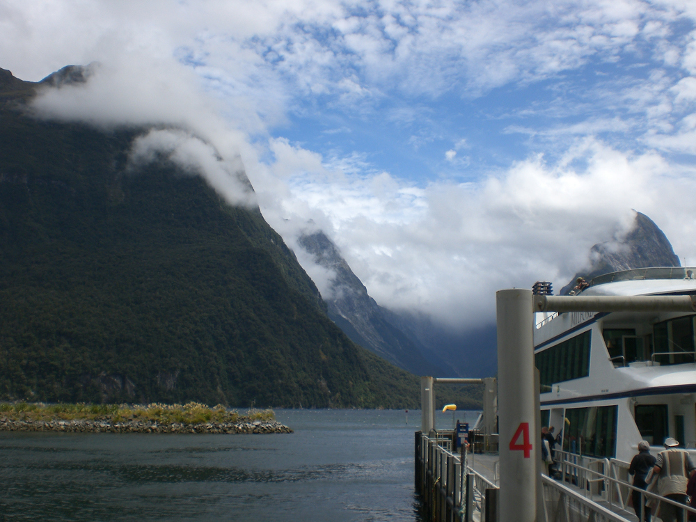 South Pacific_New Zealand Milford Sound_BB.JPG