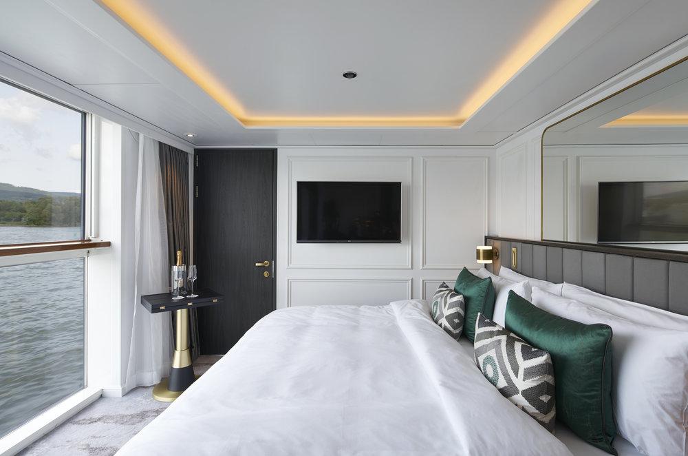 Bach-Suite-Bedroom.jpg