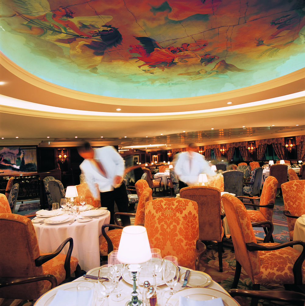 rClass-Grand-Dining-Room-2.jpg