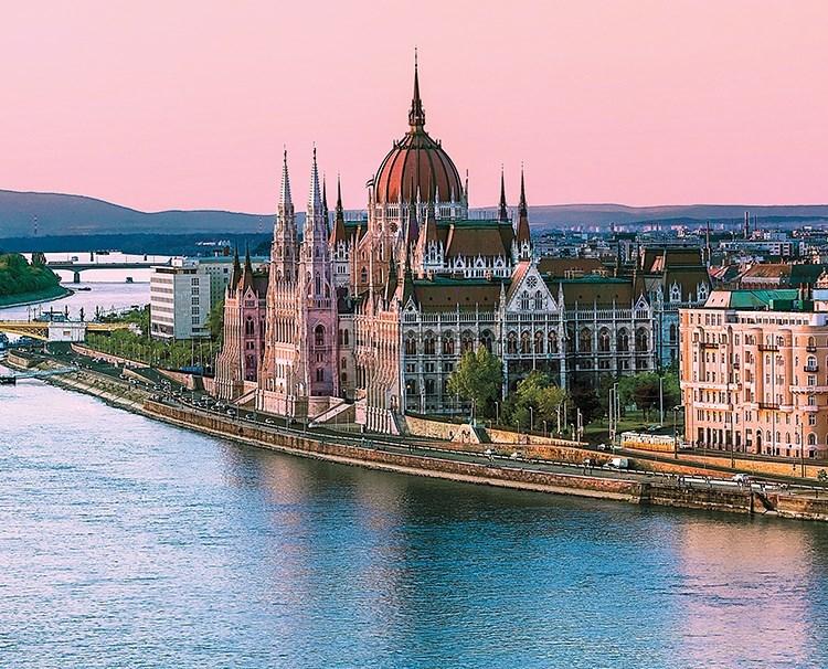 melodiesoftheddanube_ss_109910894_Budapest_UG_50778_dailyprogram.jpg