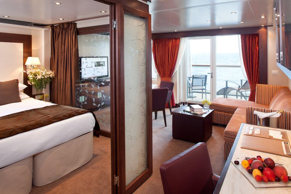 Penthouse Suite02_2048px.jpg