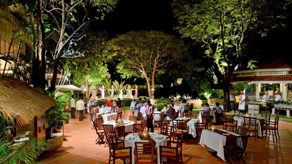 sofitel-angkor-phokeethra-dining-royalcourt.jpg