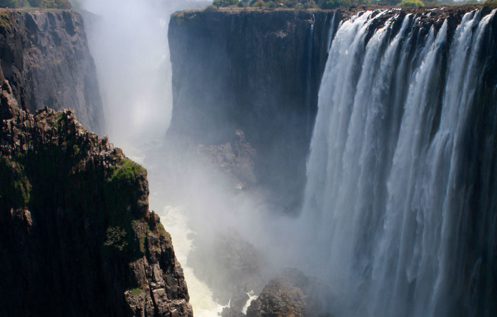 One part of the great Victoria Falls. Photo: Inzwa Nordic & African Safaris.
