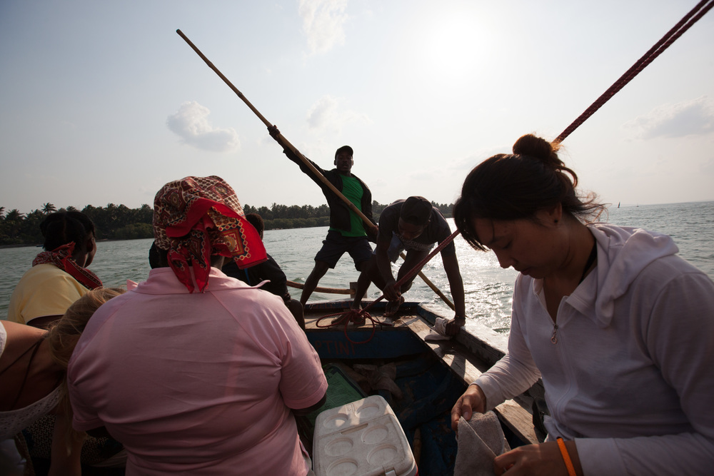 Great day trip from Tofo: Sailing on a dhow to Pansi Island where the chief of Inhambane lives. He personally hosts the visitors who wish to explore this lovely island. Photo ©Lauri Soini