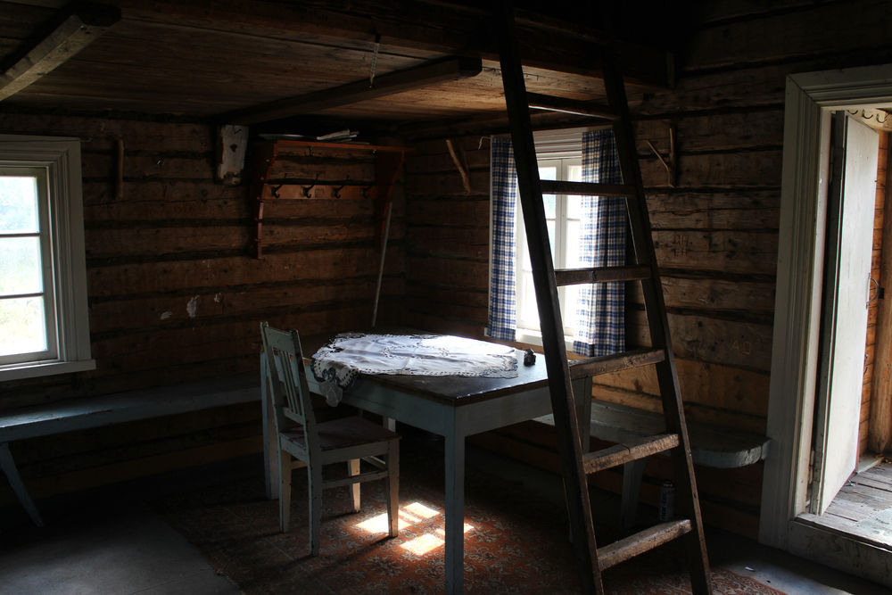 Inside the cottage, travelling to the past. For a modern urban dweller this place offers an opportunity to get back to basics, sink the toes in the grass, light the fire and play cards in the candle light.