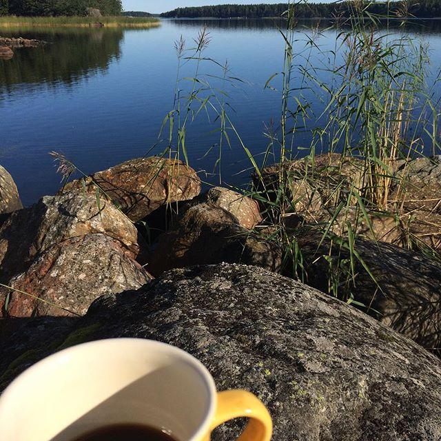 Good morning #morningcoffee #outdoors #naturetravel #smellofautumn #nofilter