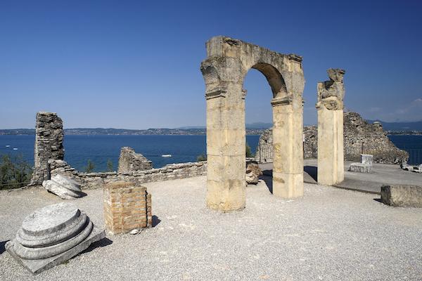 A due passi da noi, Sirmione, la penisola dei poeti