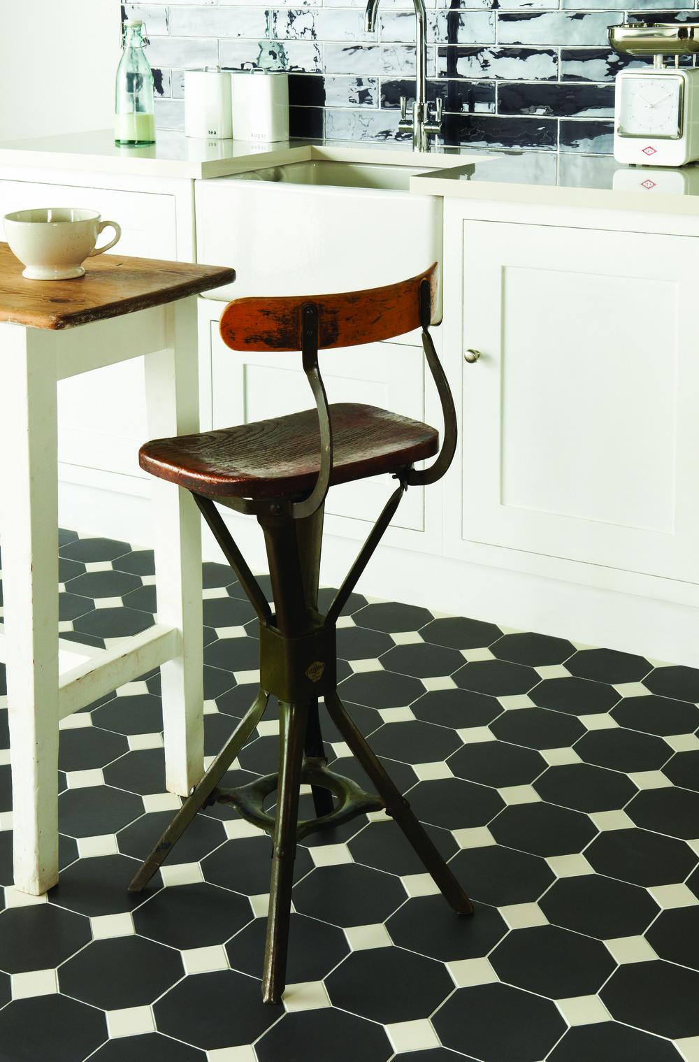 Original Style - VFT - York pattern in Black and Dover White (2).jpg
