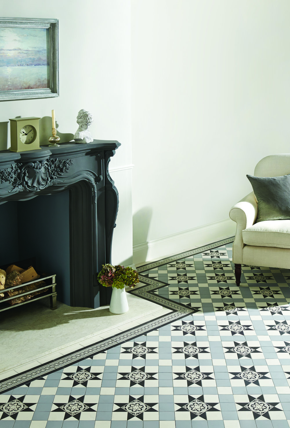 Original Style  - VFT - Blenheim pattern in Black Grey and Dover White with Telford Black border.jpg