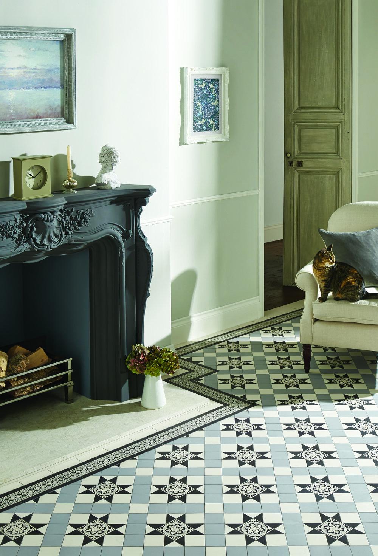 Original Style - VFT - Blenheim pattern in Black Grey and Dover White with Telford border.jpg